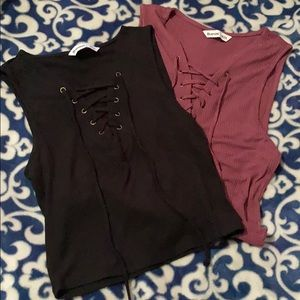 Set of 2 lace up crop tops